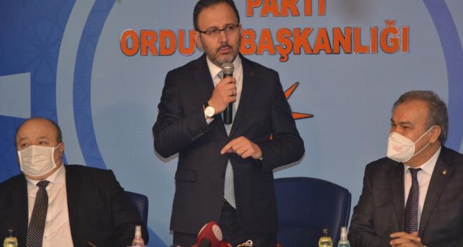 """Bakan Kasapoğlu: """"Gençlerimizden umutluyuz"""""""