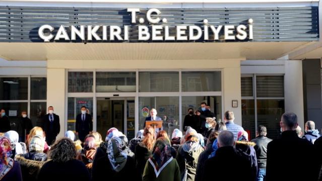 Çankırı tek nefes oldu, belediye hoparlörlerinden İstiklal Marşı seslendirildi