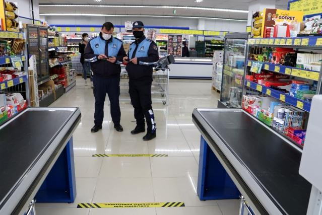 Havza'da marketler denetlendi