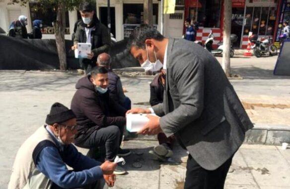 Kahta'da 5 bin adet maske dağıtıldı