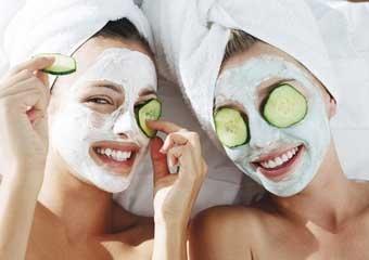 Kırışıklıklardan kurtulmak için en iyi doğal yüz maskeleri