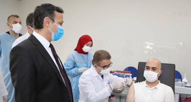 Yerli aşıda gönüllülere 2. doz uygulaması başladı